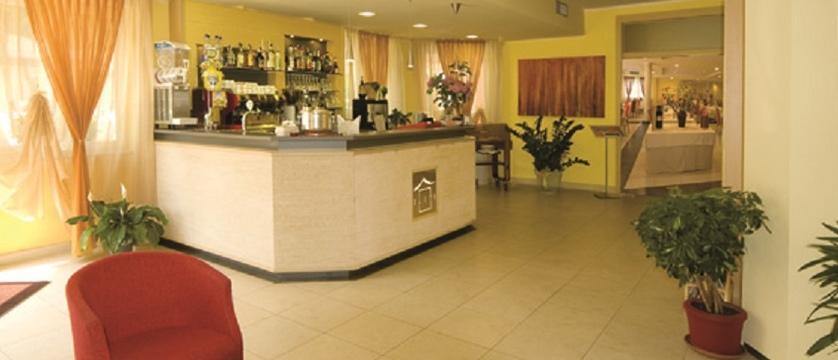 Hotel Elite Bar.jpg